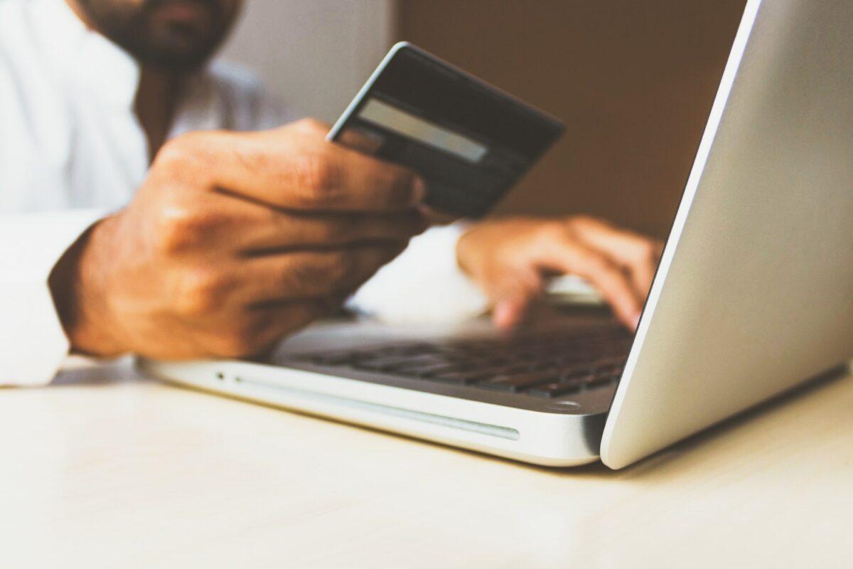 Guest Shopping: Γιατί οι πελάτες να κάνουν εγγραφή όταν δεν κερδίζουν τίποτα;